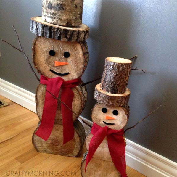 Wood Log Snowmen #Christmas #natural #decoration #decorhomeideas