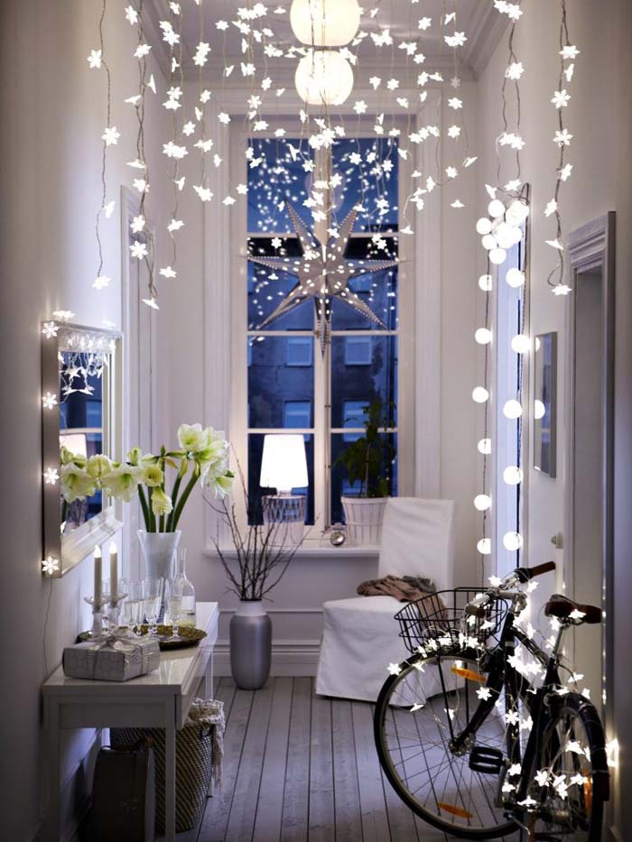 Dangling Christmas Lights #Christmas #diy #lights #decorhomeideas