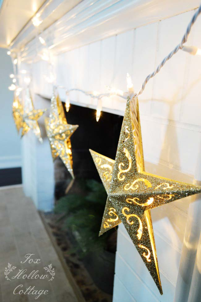 DIY Gold Star Christmas Lights #Christmas #diy #lights #decorhomeideas