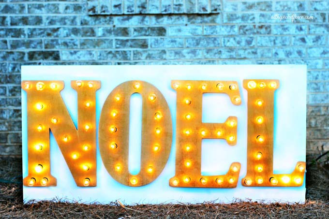 DIY Noel Marquee Sign #Christmas #diy #lights #decorhomeideas