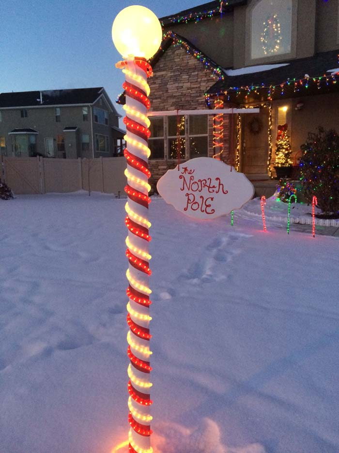 DIY North Pole Sign #Christmas #diy #lights #decorhomeideas