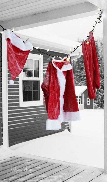 Hanging Santa Suit #Christmas #diy #lights #decorhomeideas