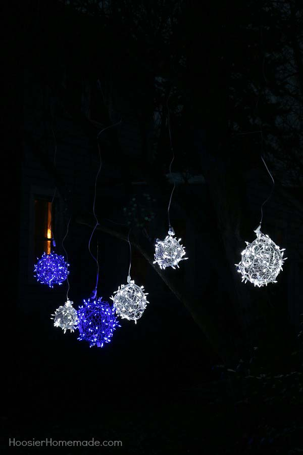 Light Balls #Christmas #diy #lights #decorhomeideas