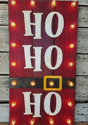 Lighted Christmas Sign #Christmas #diy #lights #decorhomeideas