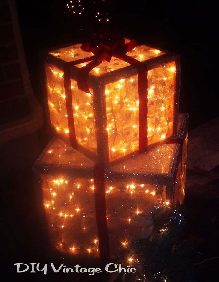 Lighted Presents #Christmas #diy #lights #decorhomeideas