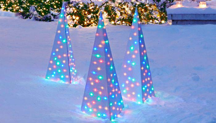 Lighted Spire Ornament #Christmas #diy #lights #decorhomeideas