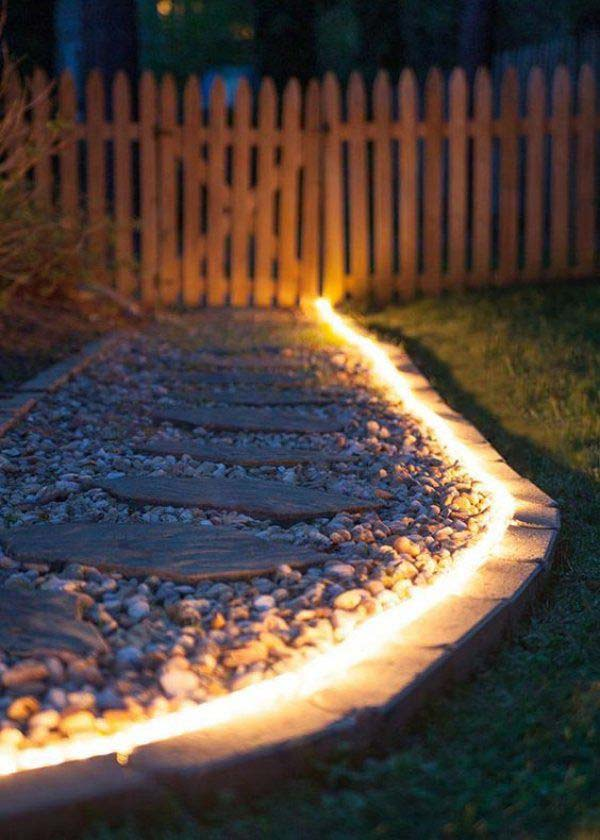 Rope Light Walkway #Christmas #diy #lights #decorhomeideas