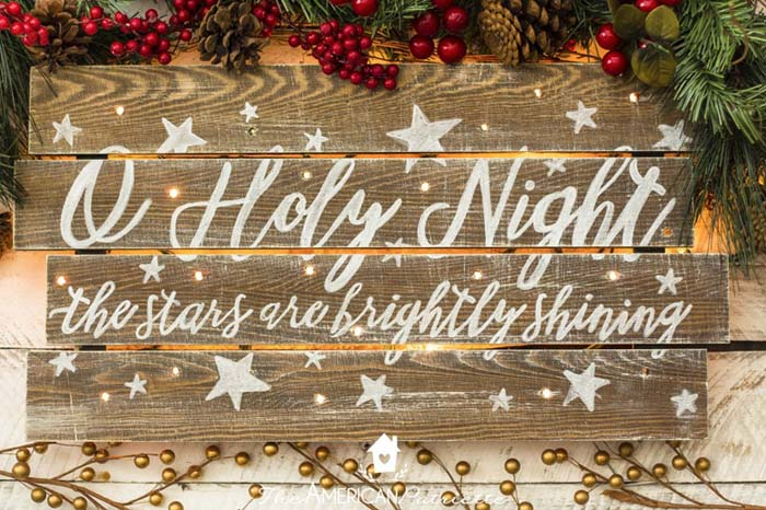 Rustic DIY Light Up Christmas Sign #Christmas #diy #lights #decorhomeideas