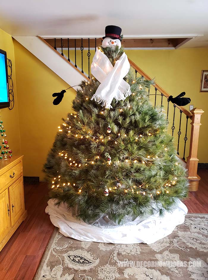Snowman Christmas Tree Idea #Christmas #tree #decorhomeideas