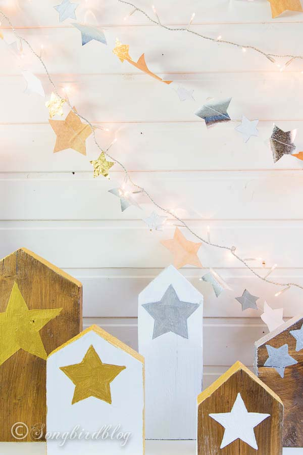 Stars and Houses Christmas mantel #Christmas #diy #lights #decorhomeideas