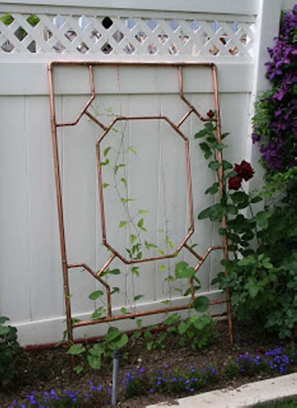 Trellis Made Out Of Copper Pipes #trellis #garden #diy #decorhomeideas