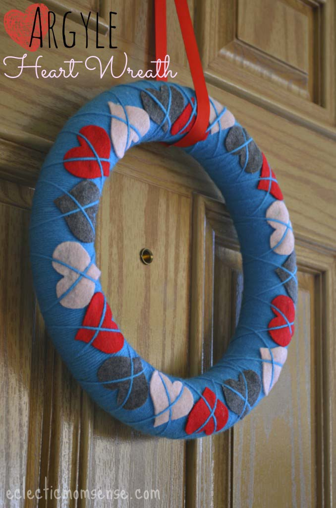 Argyle Heart Wreath #valentine #diy #wreaths #decorhomeideas