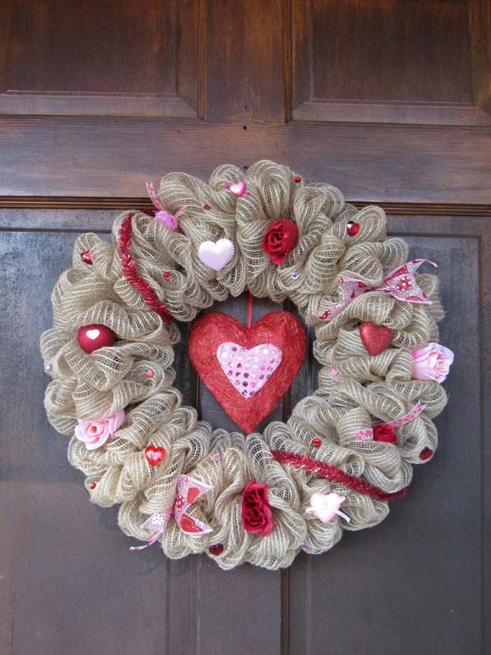 Burlap Heart Wreath #valentine #diy #wreaths #decorhomeideas