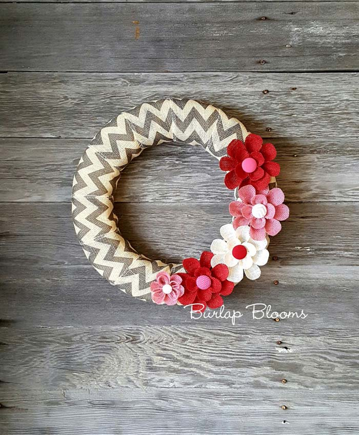 Chevron Burlap Wreath #valentine #diy #wreaths #decorhomeideas