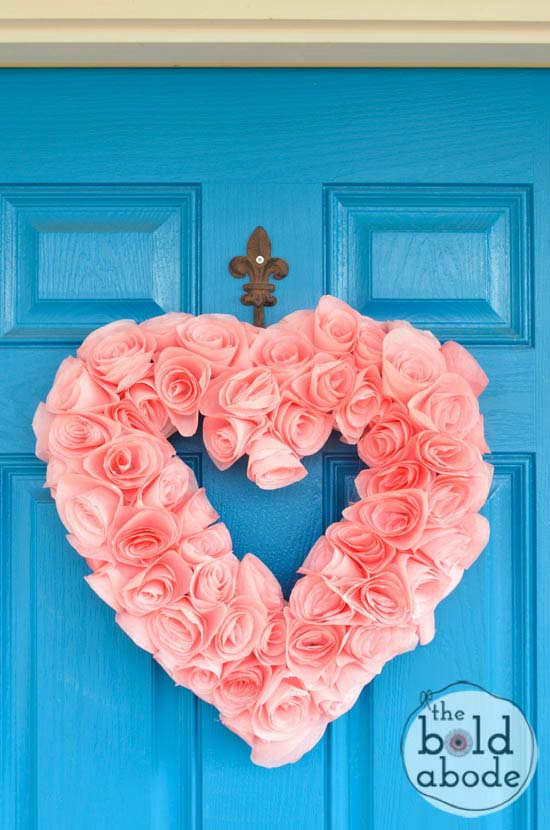 Coffee Filter Heart Wreath #valentine #diy #wreaths #decorhomeideas