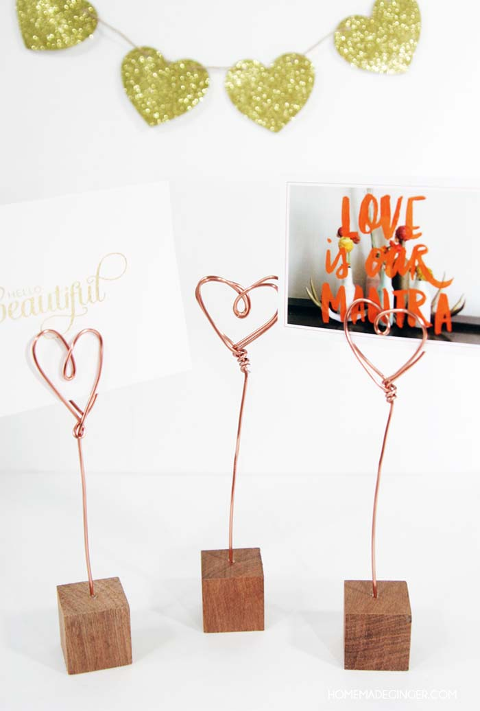 Copper Wire Photo Holders #valentinesday #gifts #diy #decorhomeideas