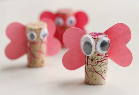 Cork Love Bugs #valentine #crafts #kids #decorhomeideas