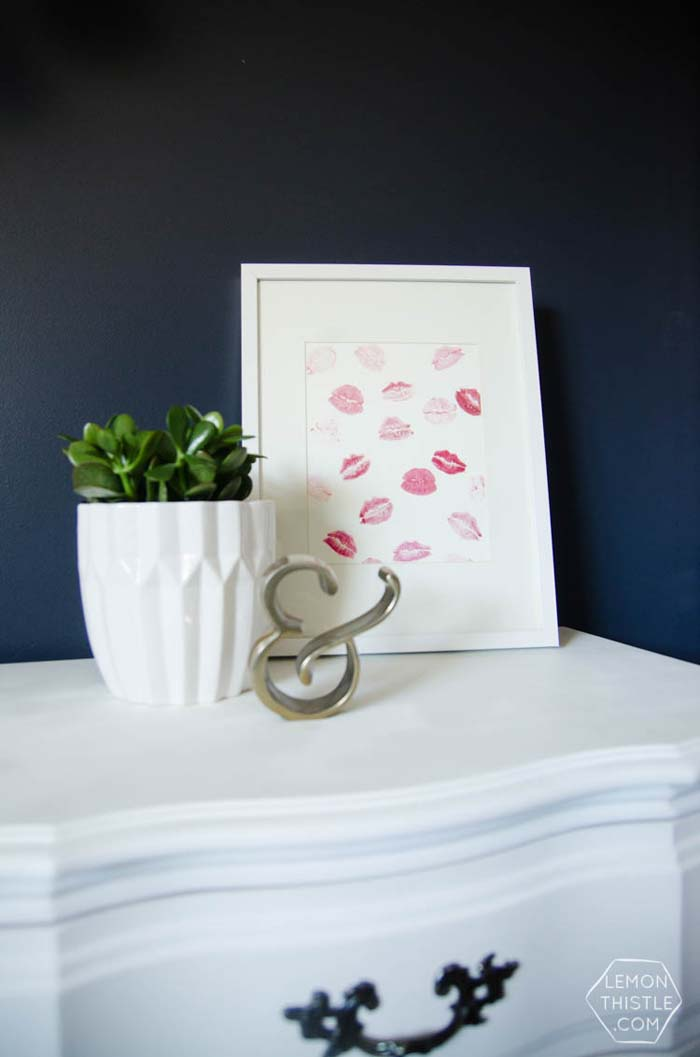 DIY Kisses Wall Art #valentine #dollarstore #diy #decor #decorhomeideas