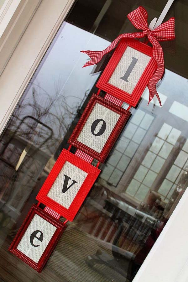 DIY Valentine's Day Door Hanger #valentine #dollarstore #diy #decor #decorhomeideas