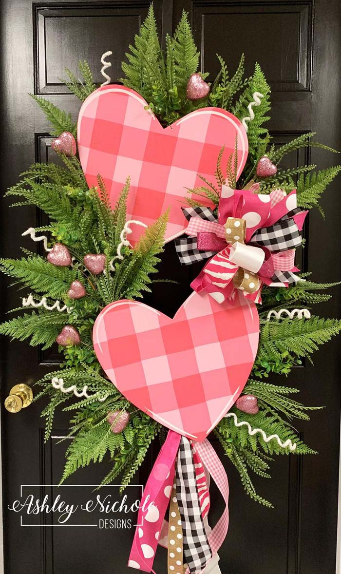 Double Pink Heart Swag Wreath #valentine #diy #wreaths #decorhomeideas