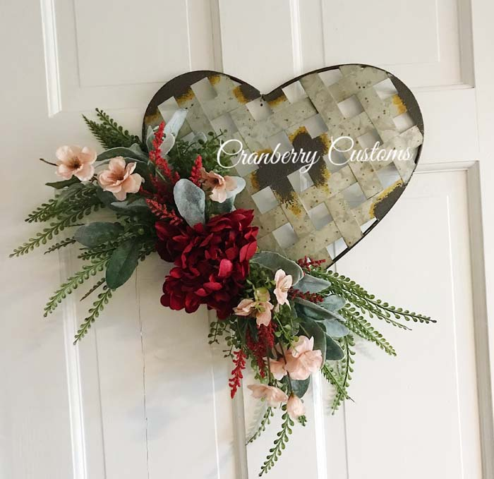 Farmhouse Valentine's Day Wreath #valentine #diy #wreaths #decorhomeideas