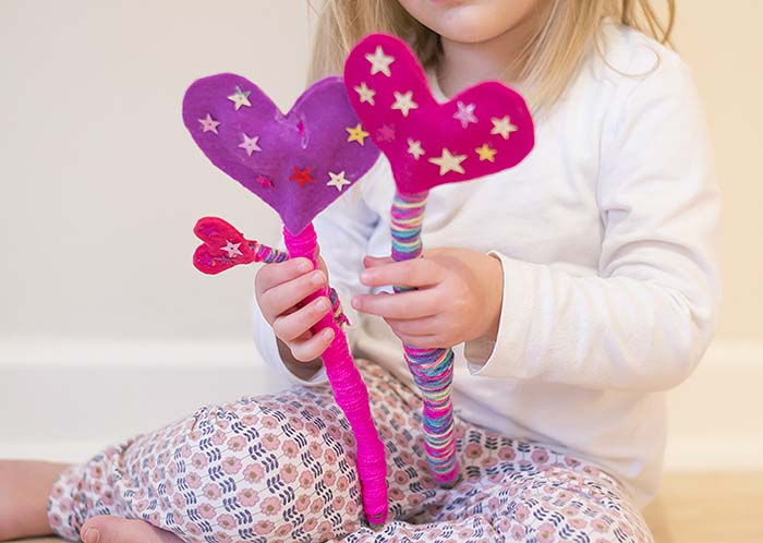 Felt Heart Fairy Wands #valentine #crafts #kids #decorhomeideas