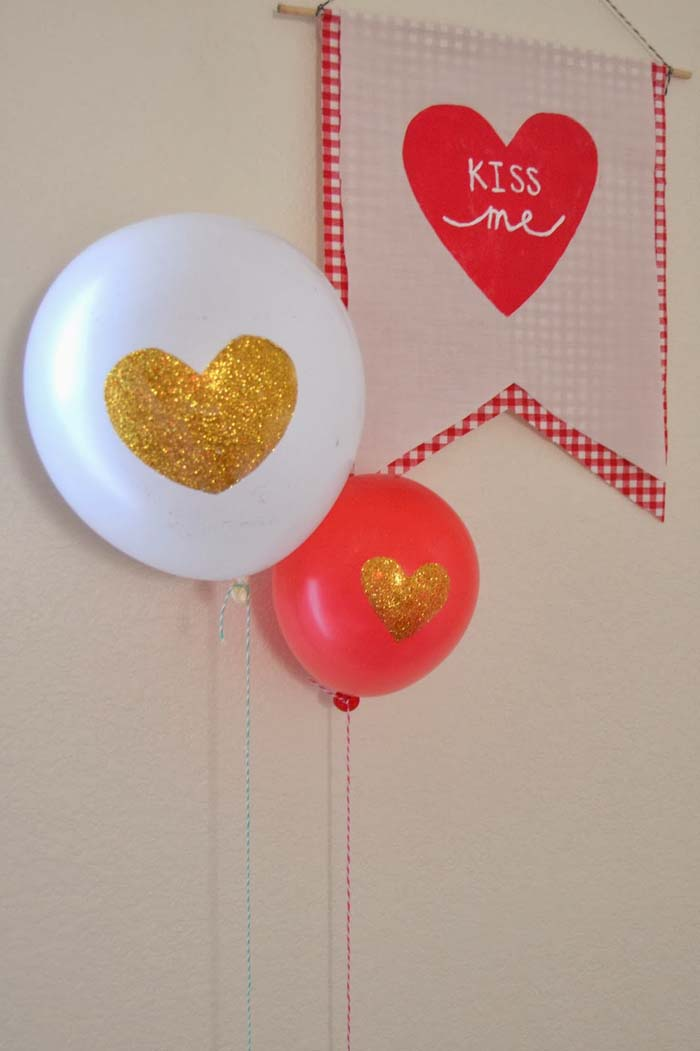 Glitter Heart Balloon #valentine #dollarstore #diy #decor #decorhomeideas