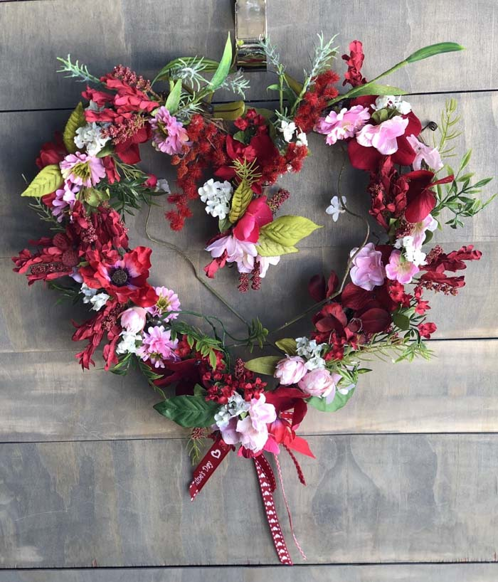Grapevine Wreath #valentine #diy #wreaths #decorhomeideas
