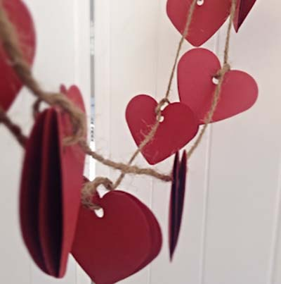 Heart Banner #valentinesday #rustic #decor #diy #decorhomeideas