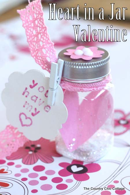 Heart in a Jar #valentinesday #crafts #jars #gifts #decorhomeideas