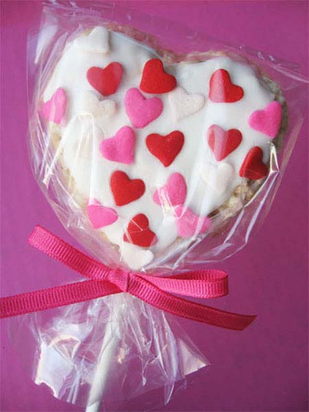 Heart Rice Krispie Treats #valentine #crafts #kids #decorhomeideas