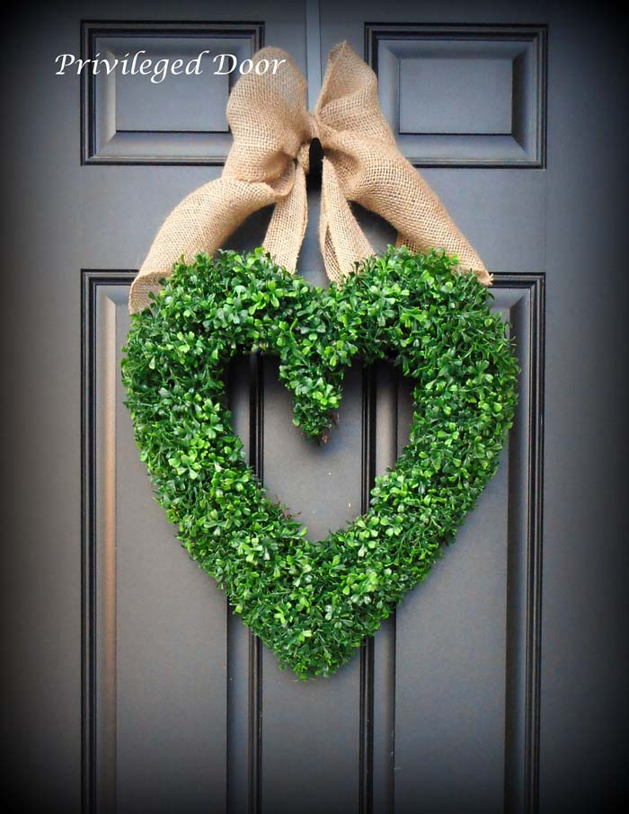 Heart Shaped Faux Boxwood Wreath #valentine #diy #wreaths #decorhomeideas