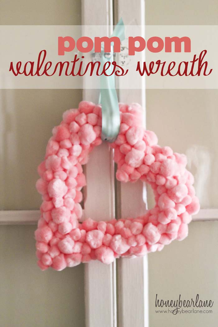 Heart Shaped Pom Pom Wreath #valentine #diy #wreaths #decorhomeideas
