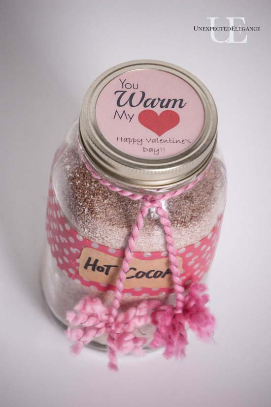 Hot Cocoa in a Jar #valentinesday #crafts #jars #gifts #decorhomeideas