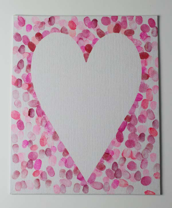 How to make a family fingerprint relief heart art canvas #valentine #crafts #kids #decorhomeideas