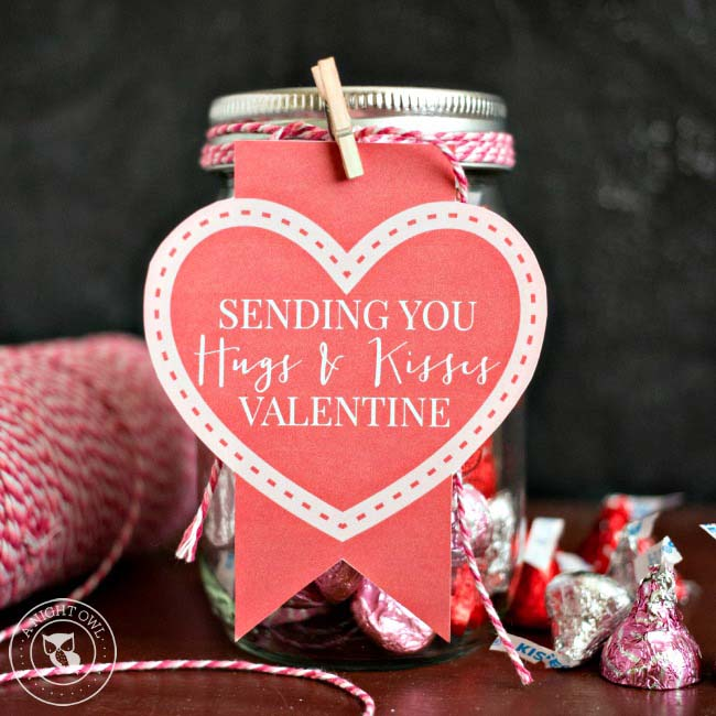 Hugs and Kisses Mason Jar Valentines #valentinesday #crafts #jars #gifts #decorhomeideas
