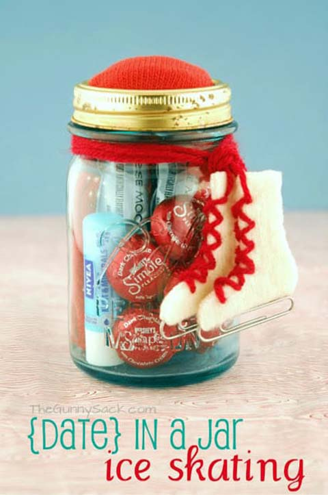 Ice Skating Mason Jar Gift #valentinesday #crafts #jars #gifts #decorhomeideas