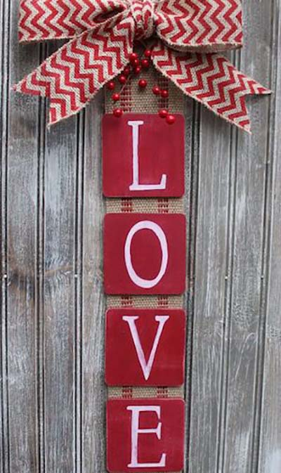Love Door Hanger #valentinesday #rustic #decor #diy #decorhomeideas