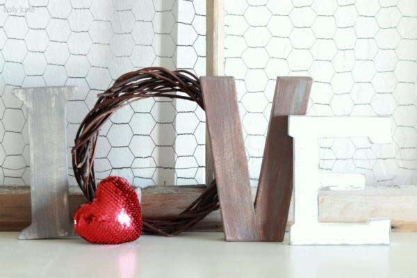 Love Letters for Mantel #valentinesday #rustic #decor #diy #decorhomeideas