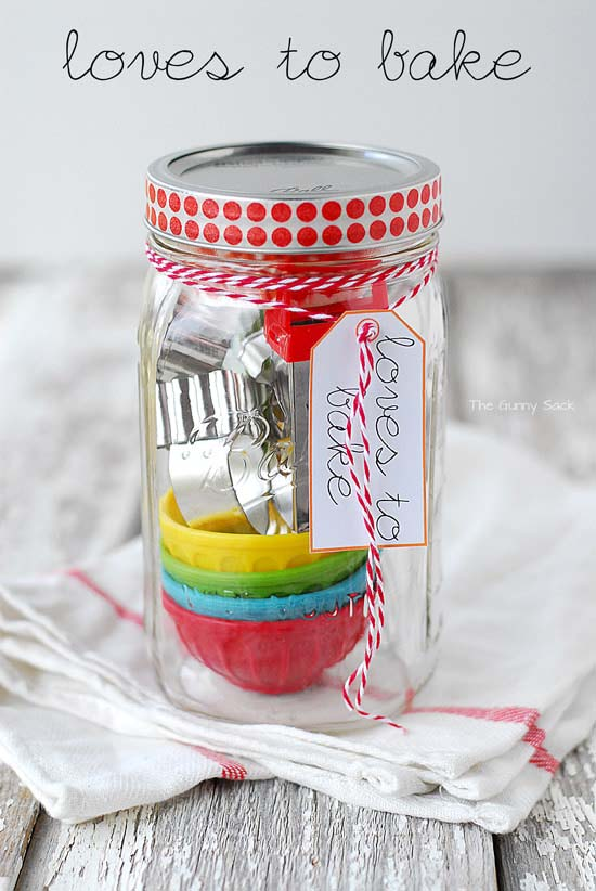 Loves To Bake Gifts In A Jar #valentinesday #crafts #jars #gifts #decorhomeideas