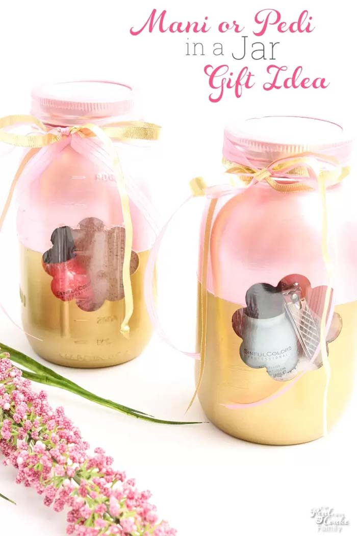 Manicure or Pedicure in a Jar #valentinesday #crafts #jars #gifts #decorhomeideas