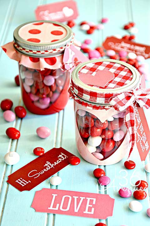 Mason Jar Heart Valentine #valentinesday #crafts #jars #gifts #decorhomeideas