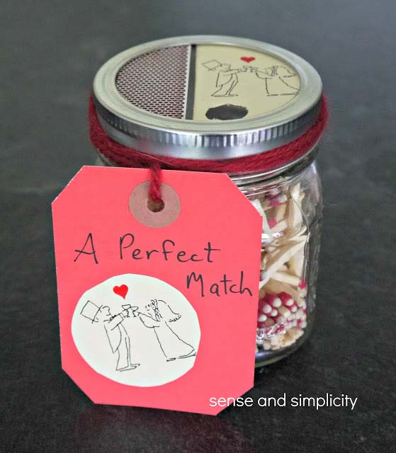 Mason Jar Matchbox #valentinesday #crafts #jars #gifts #decorhomeideas