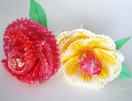 Muffin Paper Flowers #valentine #crafts #kids #decorhomeideas