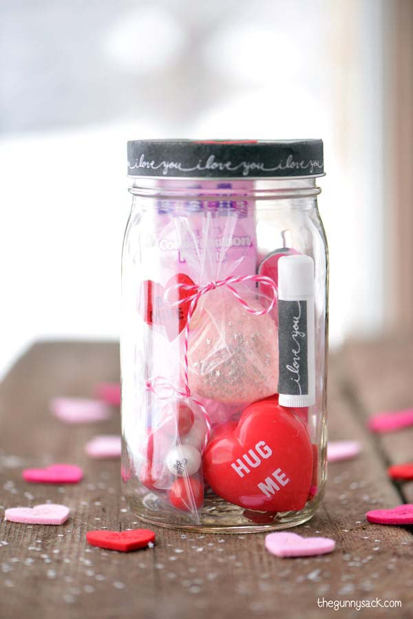 Pampering Spa Gift in a Jar #valentinesday #crafts #jars #gifts #decorhomeideas