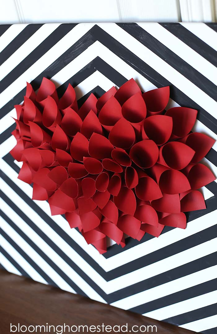 Paper Heart Wreath #valentine #diy #wreaths #decorhomeideas