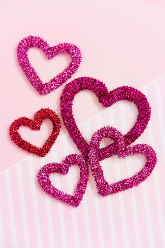 Pipe Cleaner Hearts #valentine #dollarstore #diy #decor #decorhomeideas