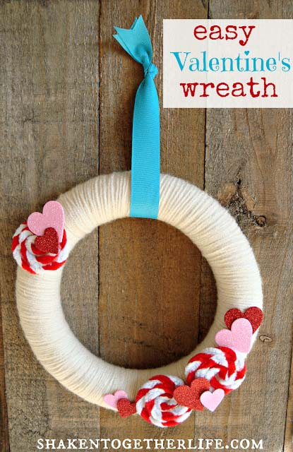 Pipe Cleaner Rosettes Valentine's Day Wreath #valentine #diy #wreaths #decorhomeideas