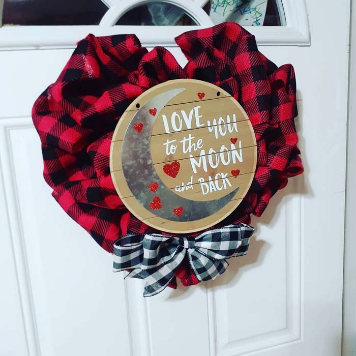 Red Buffalo Plaid Valentine's Day Wreath #valentine #diy #wreaths #decorhomeideas