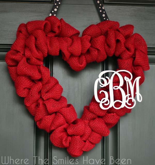 Red Burlap Heart Wreath #valentine #dollarstore #diy #decor #decorhomeideas